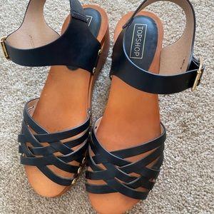 2/30 🛍 Topshop Sandals